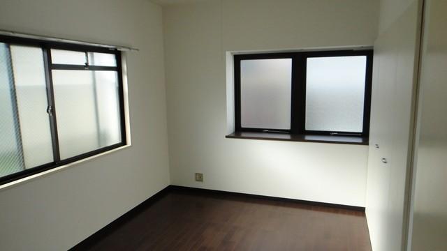 風通しの良い2面採光の角部屋