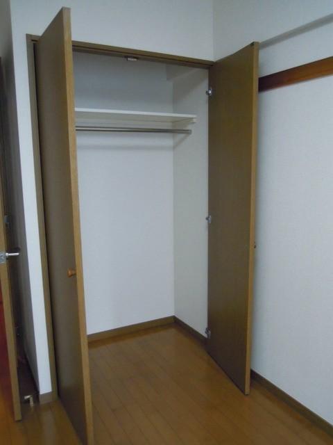 ※反転タイプのお部屋の写真です。(内装)