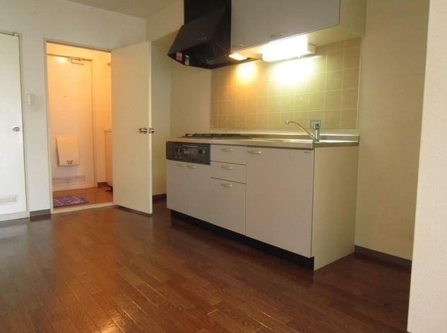 ※画像は別部屋の参考写真を含む(キッチン)