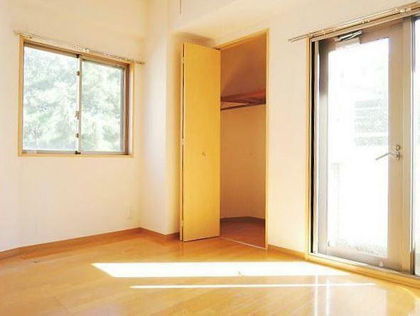※画像は別部屋の参考写真を含む(居間)
